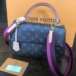 Louis Vuitton Cluny Monogram purse